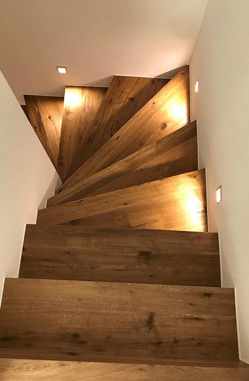 Holzboden auf Treppe